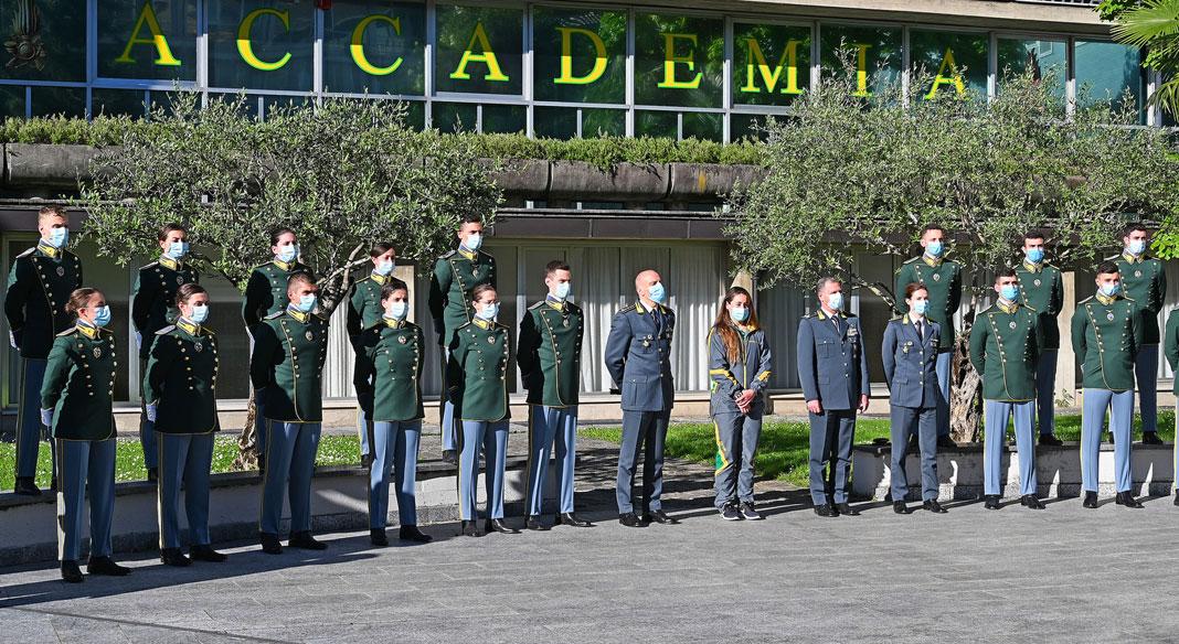 """Sofia Goggia ha incontrato i """"cadetti"""" dell'Accademia della Guardia di Finanza di Bergamo"""